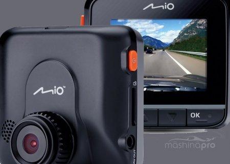 Чем заслужил симпатию автовладельцев видеофиксатор Mio MiVue 358?