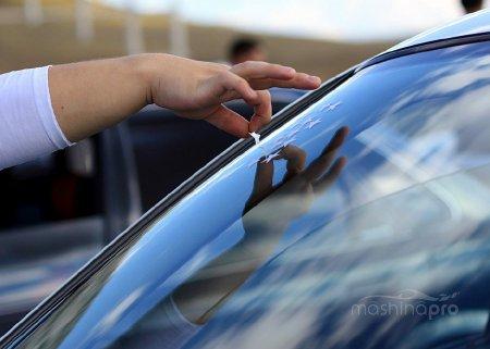 Чем фирма Pilkington может удивить автовладельца?