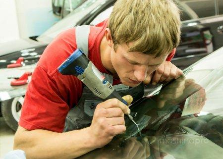Время, место и инструменты для устранения повреждений на стекле автомобиля