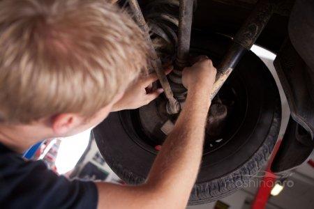 Как поменять пыльники шарнира приводного вала на переднеприводных автомобилях ВАЗ