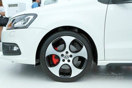 Быстрое передвижение по городу и ураганная динамика на трассе. VW Polo: вариации кузовов, двигателей и коробок