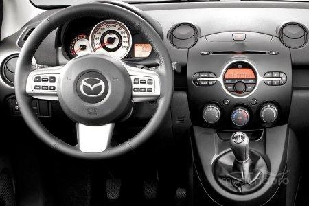 Все о Mazda Demio: история, обзор, преимущества и недостатки