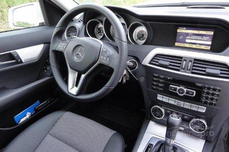 Автомобили Мерседес-Бенц – статусные звездные машины