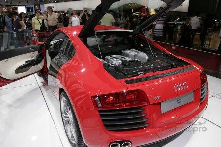 Обновленная модель Ауди-R8 и новая цена