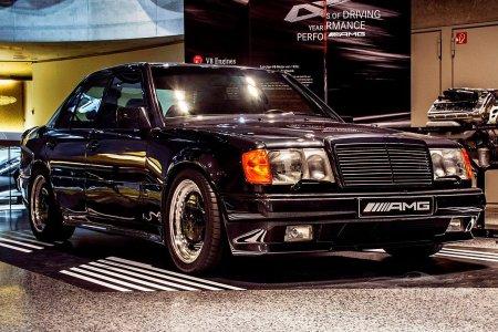 Обзор легендарного купе Mercedes Benz