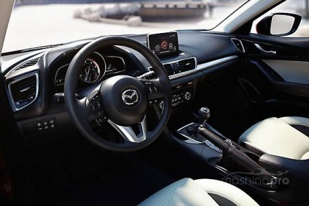 Мобильная тройка: отзывы о динамике новой Mazda 3