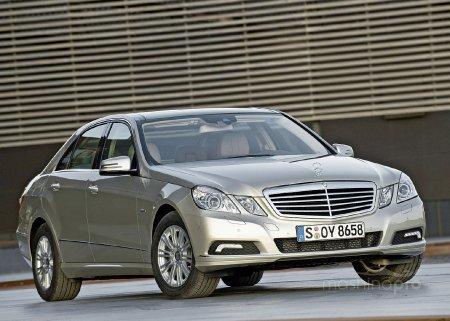 Mercedes Benz W212? Насколько он динамичен и безопасен?