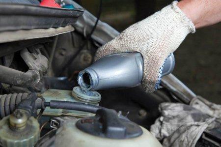 1426152107 tormozuha - Как сменить тормозную жидкость на автомобилях с антиблокировочной системой?