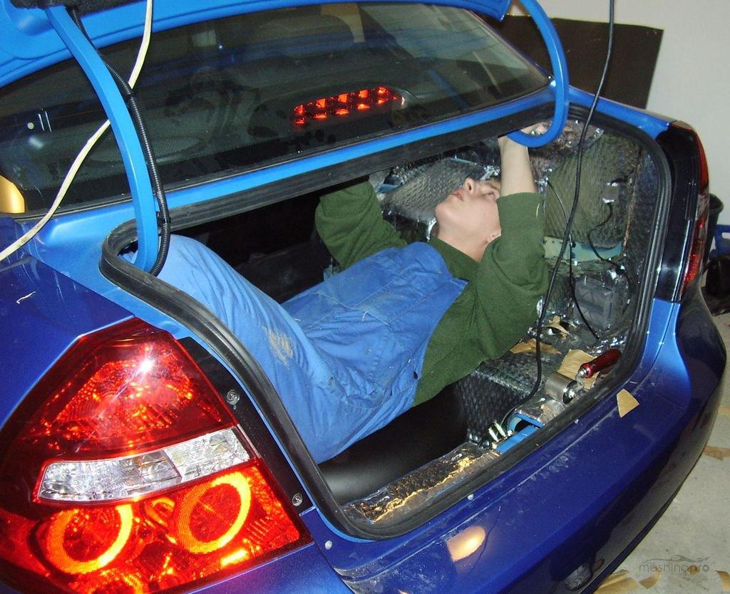 Обклейка машины шумоизоляцией своими руками
