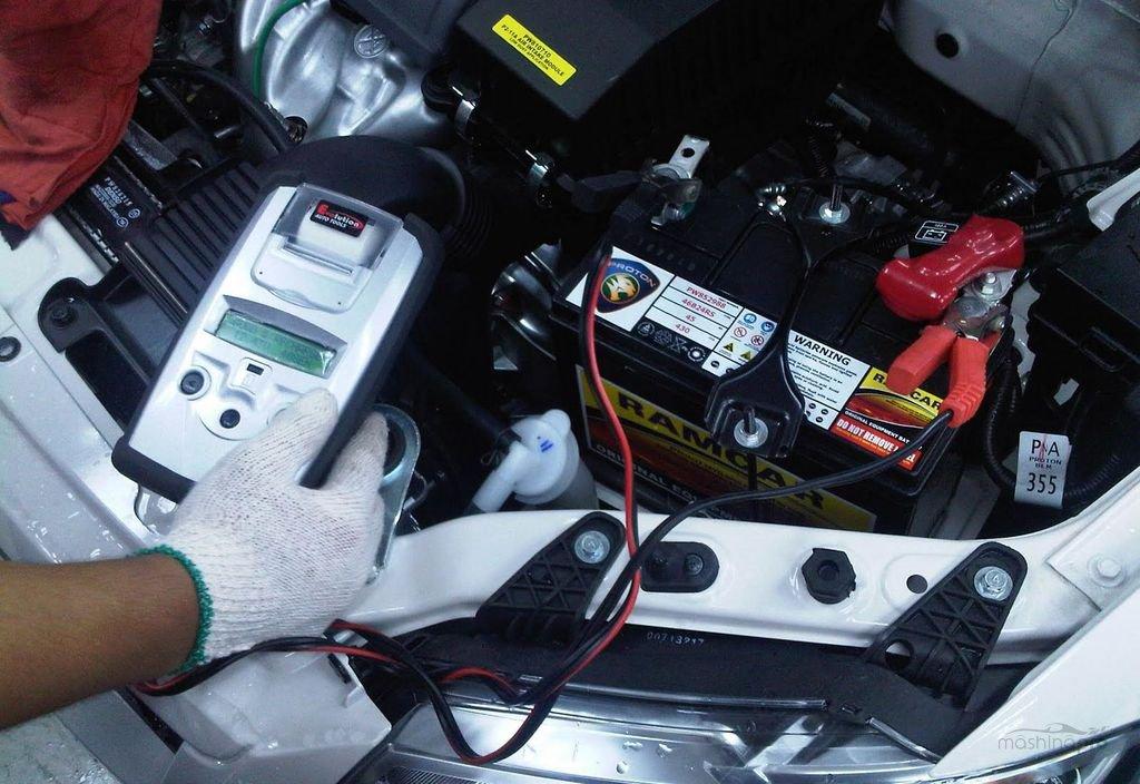 Почему аккумулятор на машине не держит зарядку