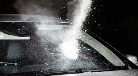 Как сделать антигравийную защиту ветрового окна автомобиля?