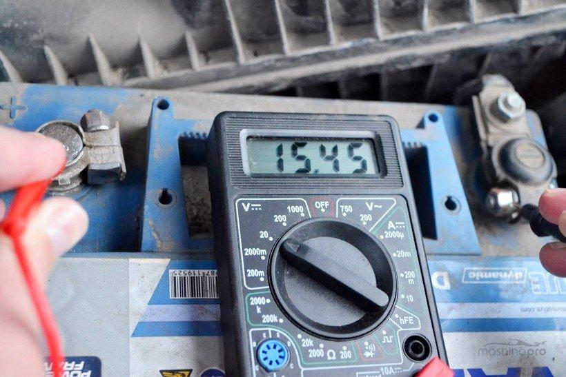 Проверка АКБ мультиметром