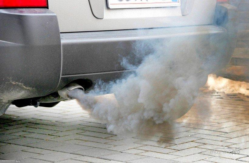 Дымящий автомобиль